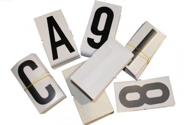 "Letter Decal ""M"", black/white, 100 mm"